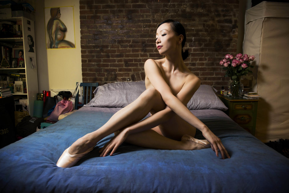 Балерины у себя в спальне