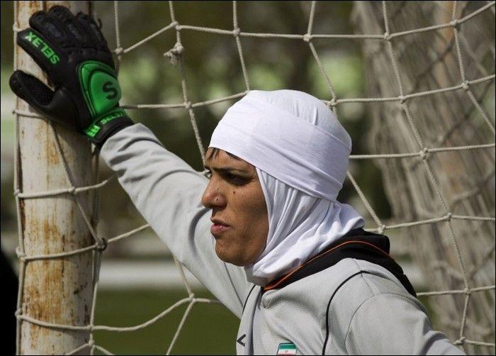 Иранский женский футбол