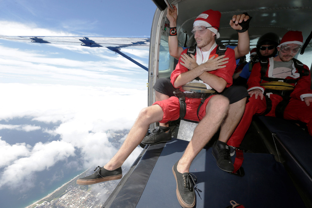 Рождественский рекорд парашютистов в Австралии