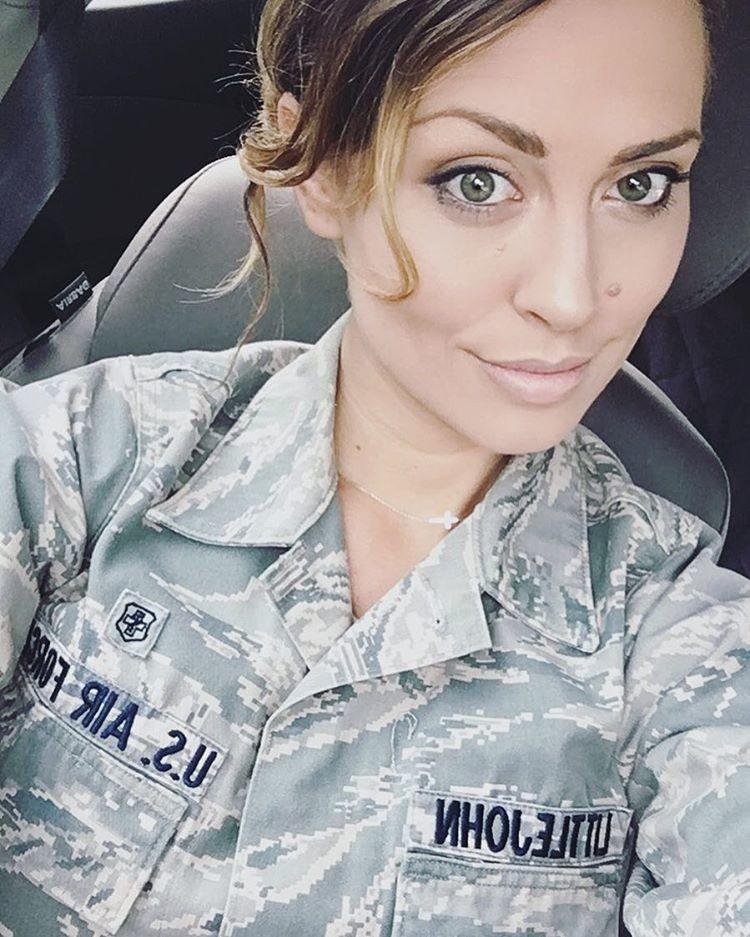 Кэрисса Литтлджон — военнослужащая ВВС США, которая стала моделью