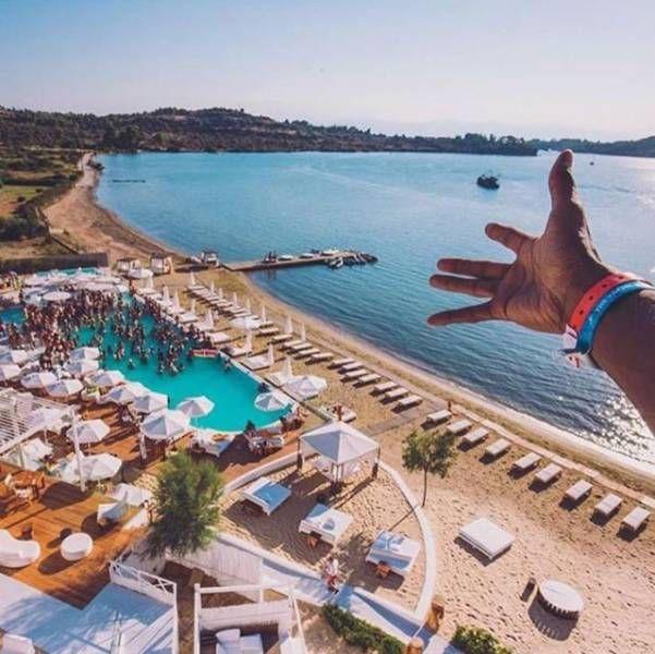 Беззаботная жизнь золотой молодежи Греции