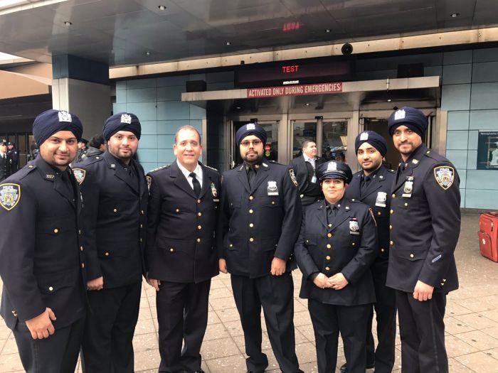 Полицейским Нью-Йорка разрешили носить тюрбан и бороду