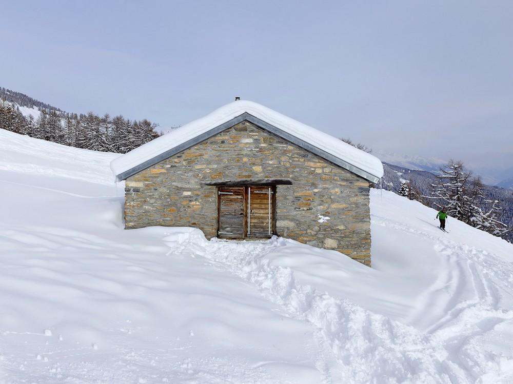 Домик в швейцарских альпах как еврею уехать в германию из израиля