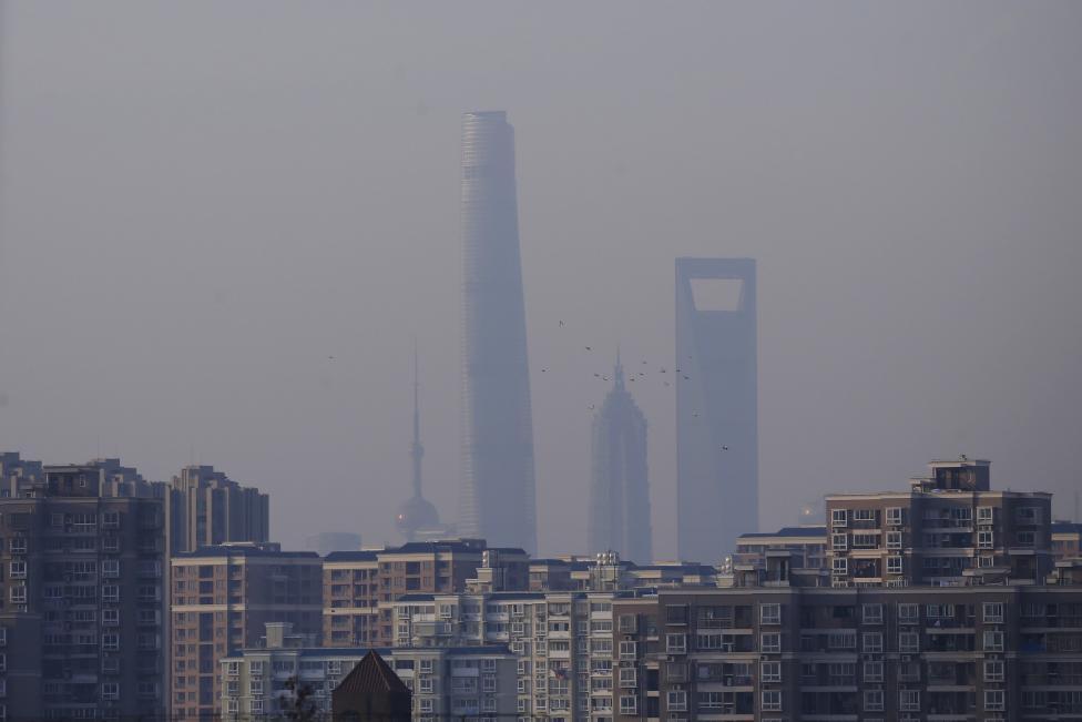 Китай задыхается от аномального смога