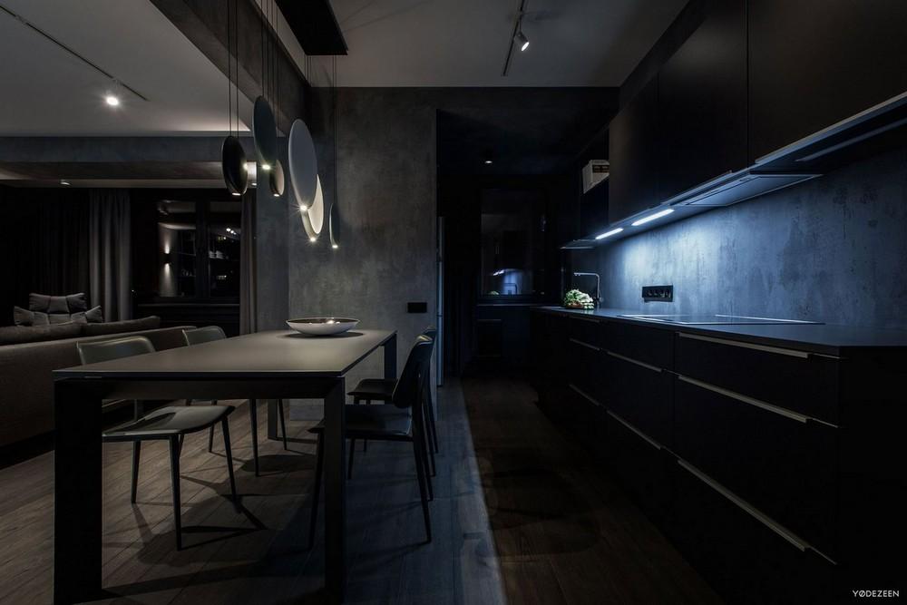 Квартира в Киеве с темным интерьером