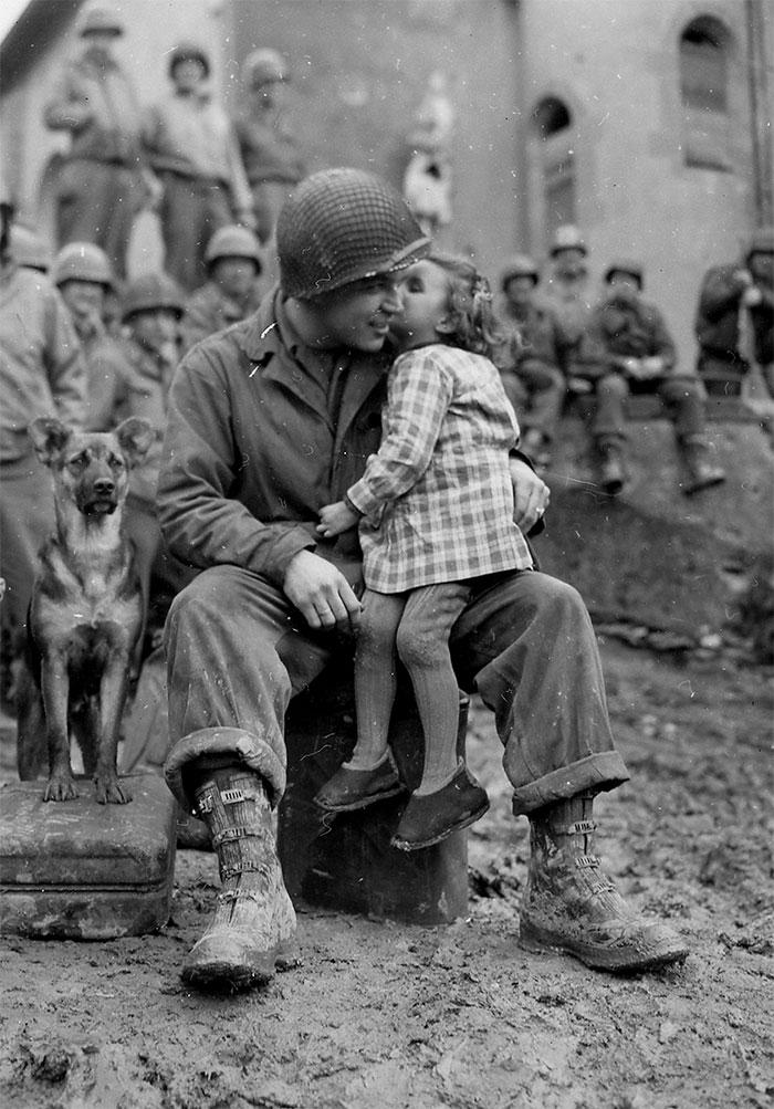 15 трогательных исторических фотографий