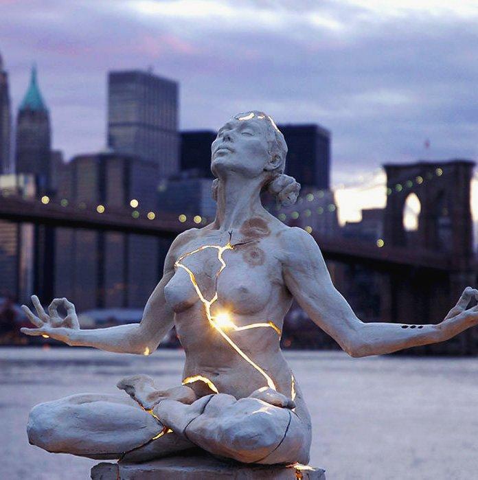 Необычные скульптуры со всего света