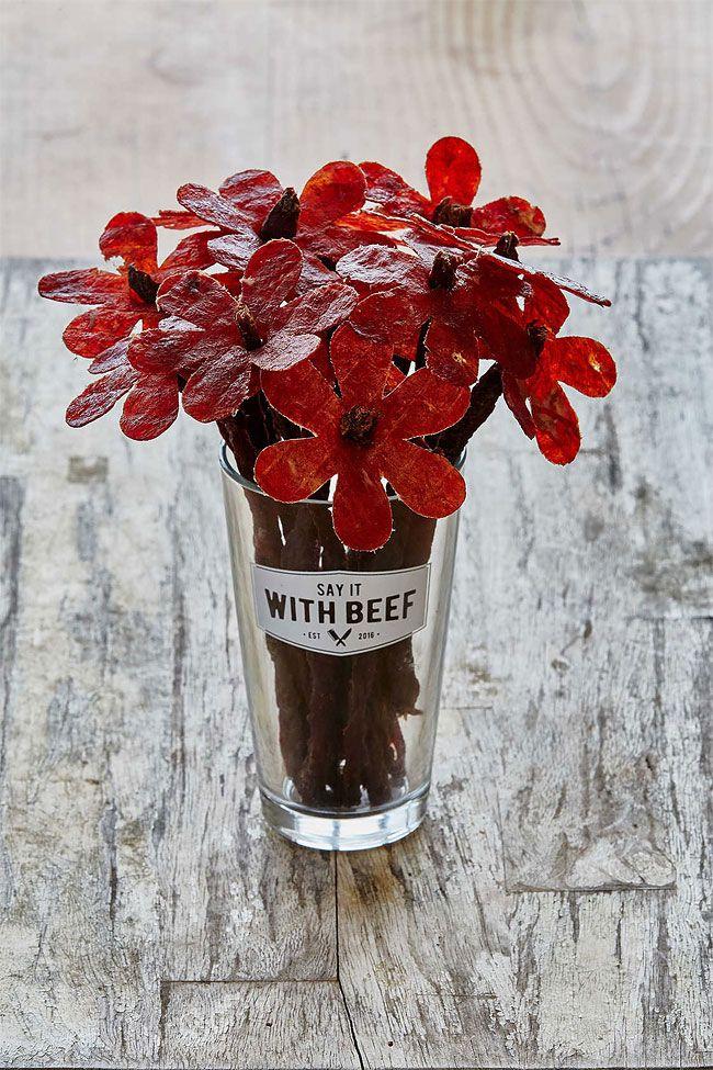 Цветы из говядины - подарок перед свиданием в пивнухе