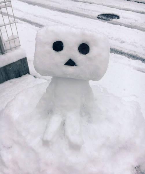 Снеговики и снежные скульптуры в Японии