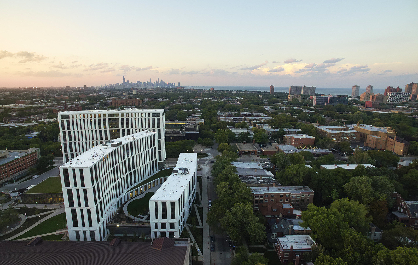 Комфортный и современный кампус университета в Чикаго