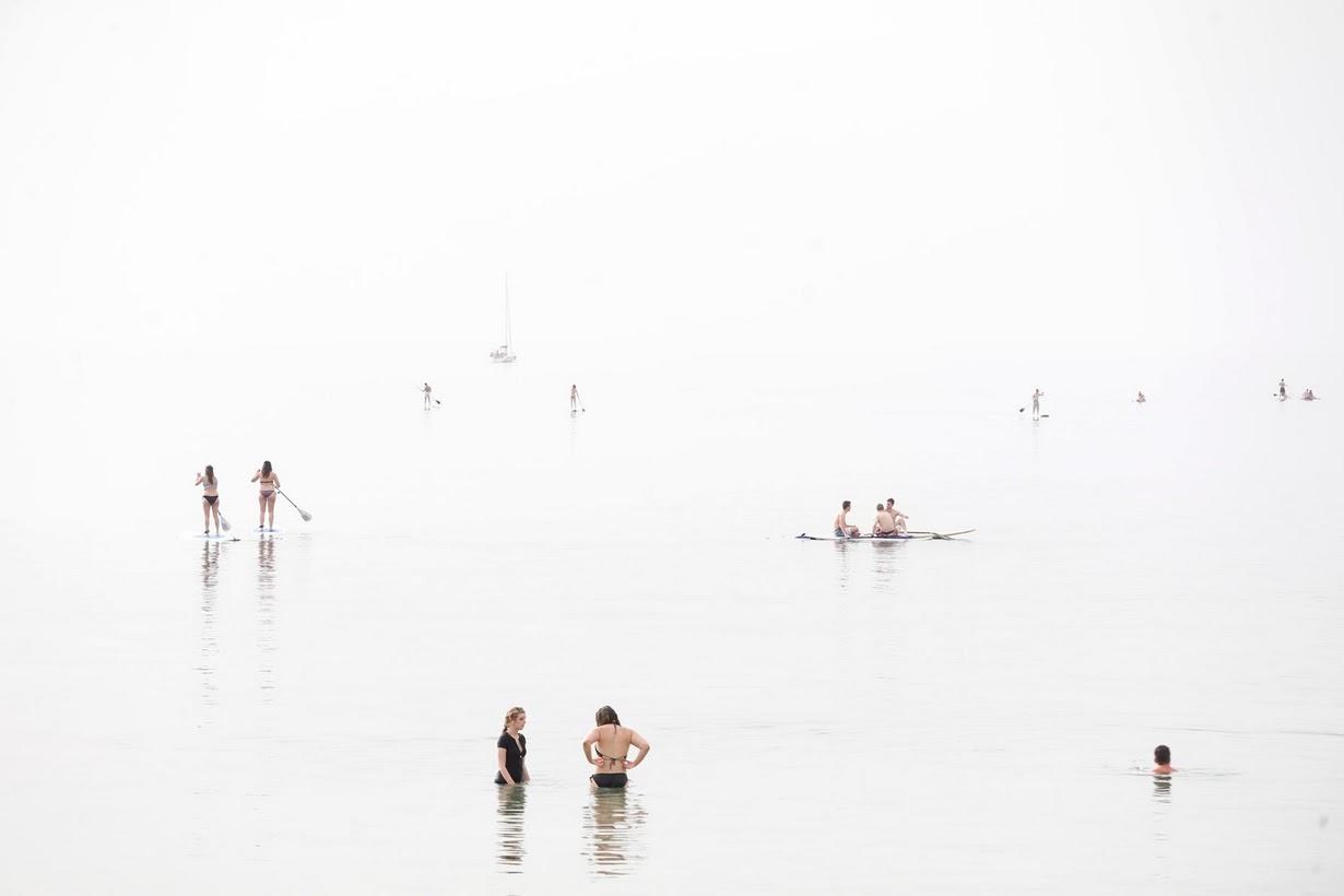 Туманные дни на пляже в Израиле