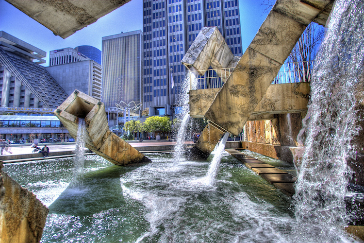 15 необычных фонтанов со всего мира