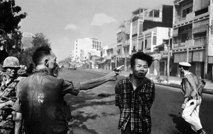 15 мрачных снимков времен войны во Вьетнаме