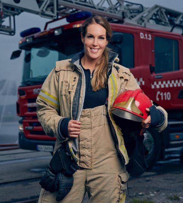 Гунн Нартен - привлекательная женщина-пожарный