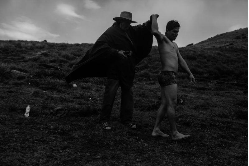 Перуанские шаманы изгоняют злых духов