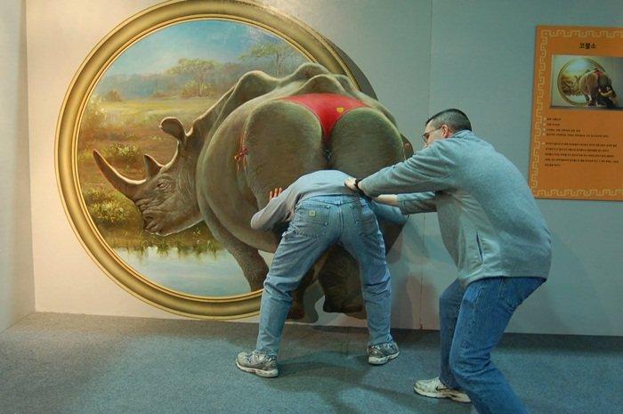 Прикольное искусство в Музее обмана зрения