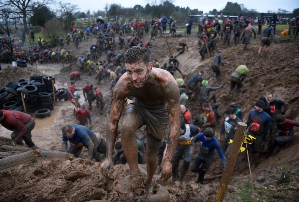 Экстремальная гонка Tough Guy в Англии
