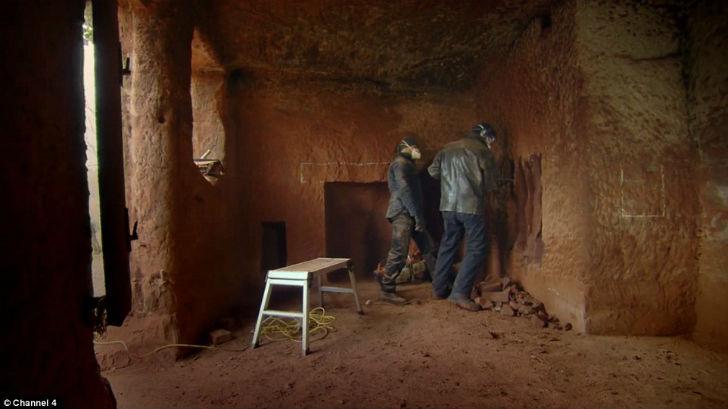 У каждого мужчины должна быть своя пещера