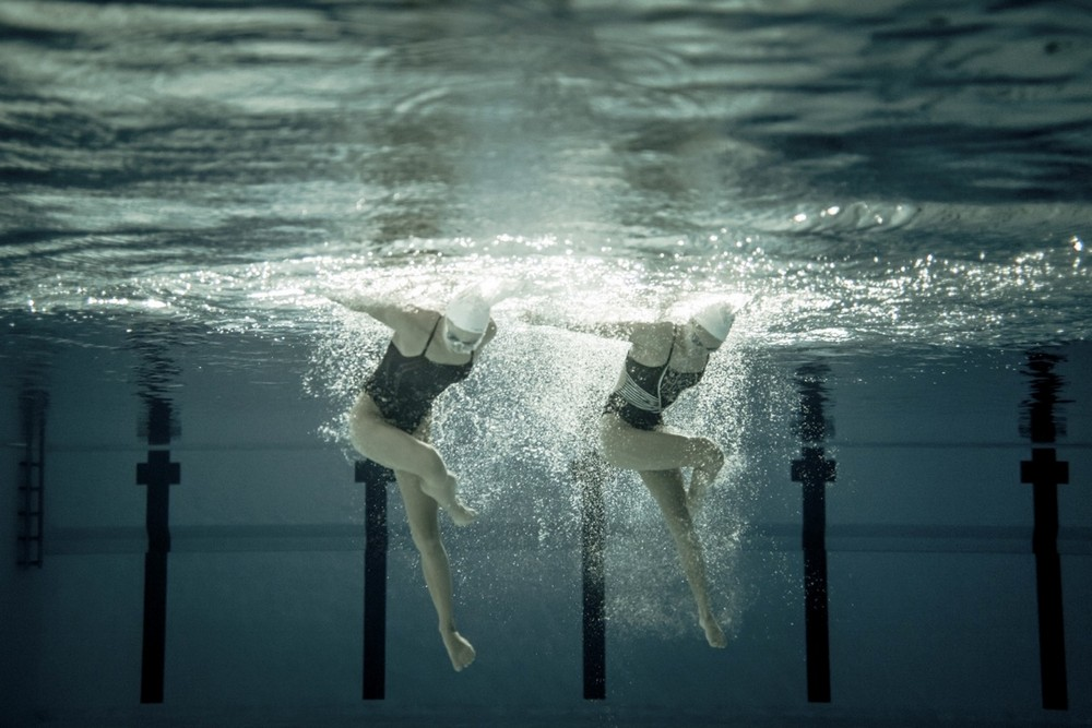 Красота синхронного плавания на подводных снимках