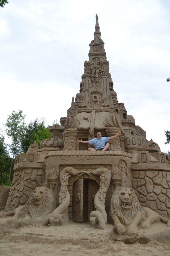 Самый большой песочный замок
