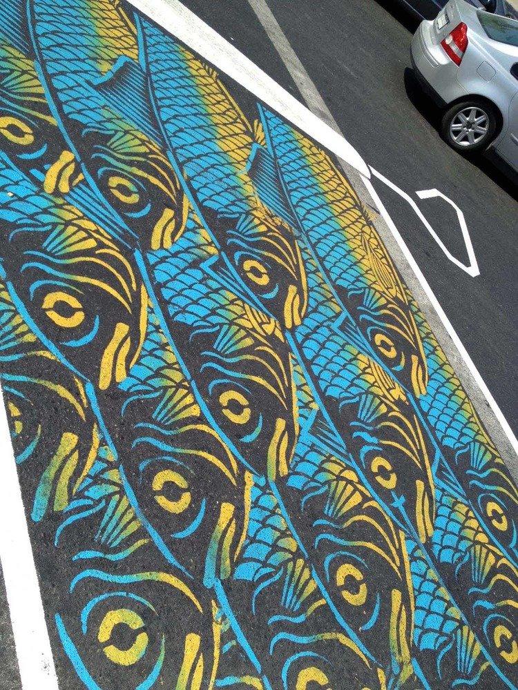 Уличные рисунки на асфальте от Roadsworth