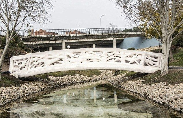 В Испании возвели первый мост, распечатанный на 3D-принтере