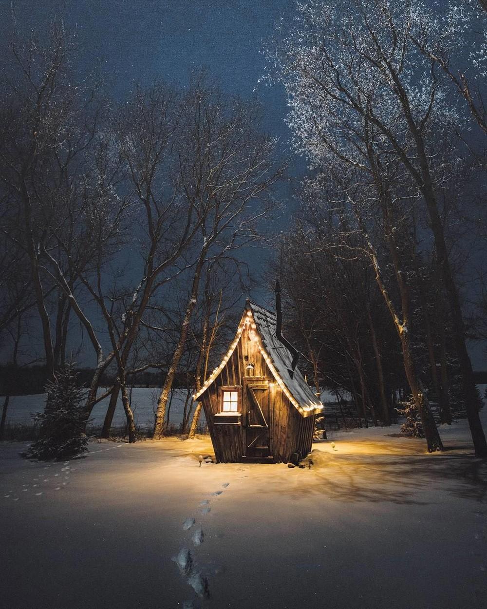 Маленькие домики среди дикой природы
