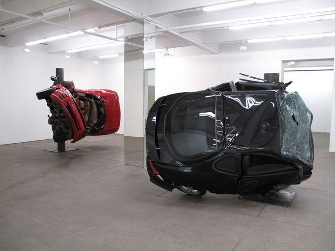 Скульптуры из разбитых машин от Дирка Скребера