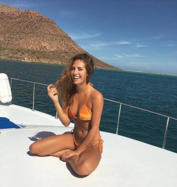 Красивые летние девушки