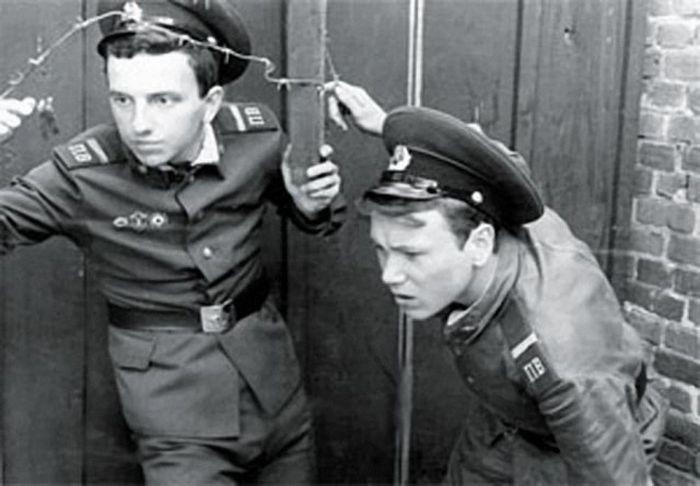 Армейские фотографии знаменитостей