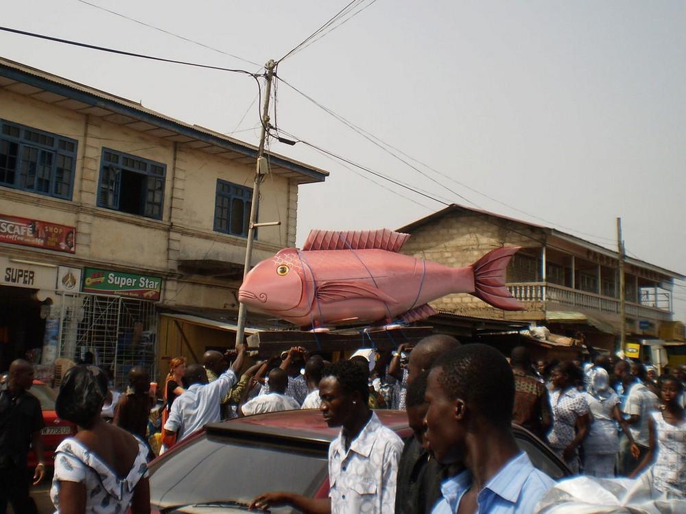 Забавные гробы в Гане