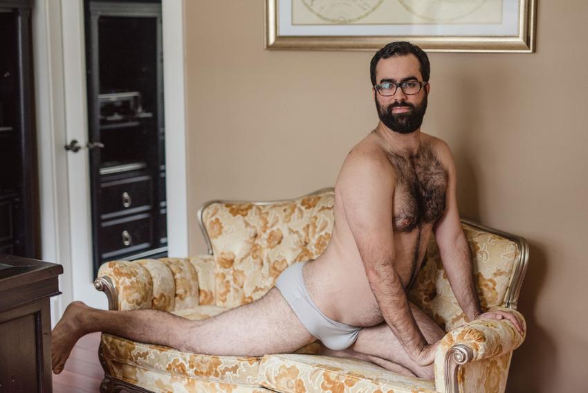 Бродуар: сексуальная фотосессия с мужчиной