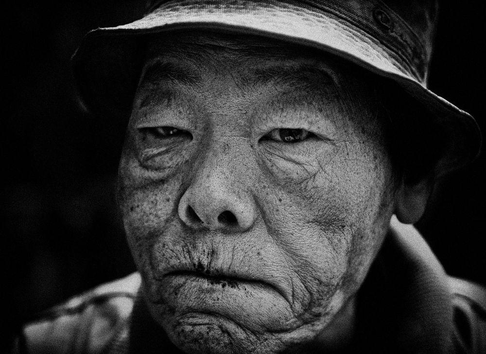 Портреты бездомных с улиц Токио