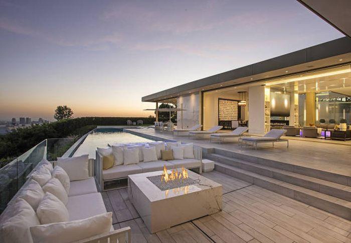 Роскошный особняк в Беверли-Хиллз за 100 миллионов долларов