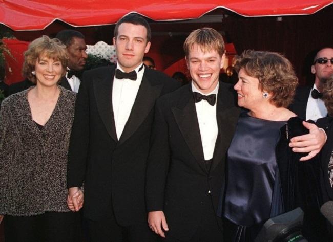 25 голливудских звезд во время первого выхода на красную дорожку Оскара