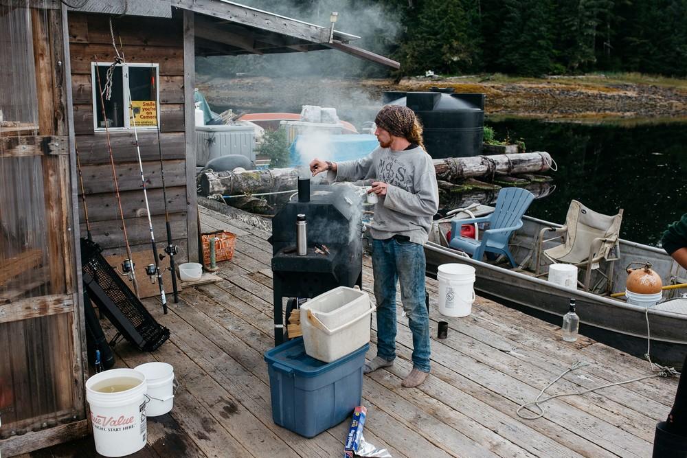 Жизнь вдали от цивилизации на отдаленном острове у берегов Аляски