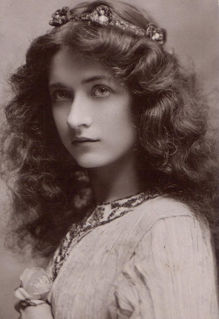 15 самых красивых женщин эпохи короля Эдуарда