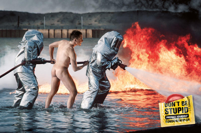 18 шедевров социальной рекламы на тему безопасного секса