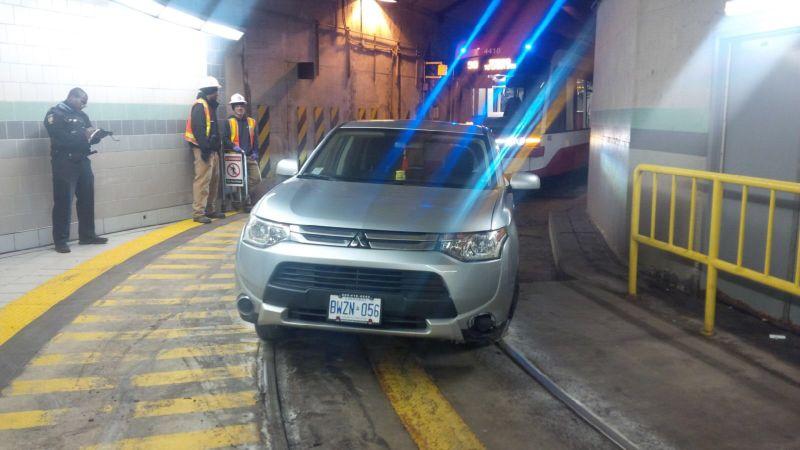 GPS завел водителя в трамвайный тоннель