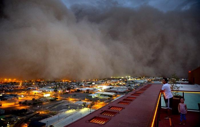 Пыльная буря в Аризоне