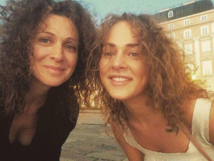 Загадка: кто мать, а кто дочь?