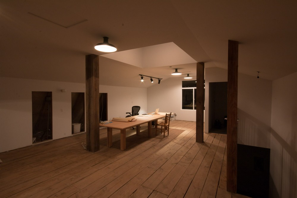 Превращение старого сарая в классный офис-студию