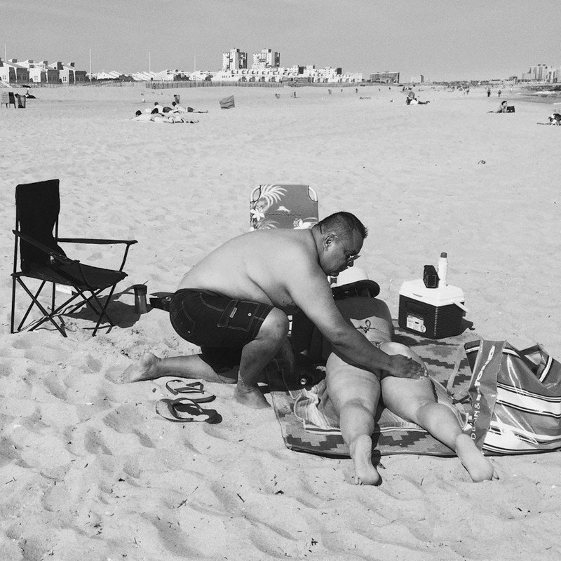 Сцены на пляже Эрики Рид