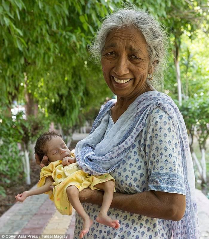 Она родила первого ребёнка в 72 года