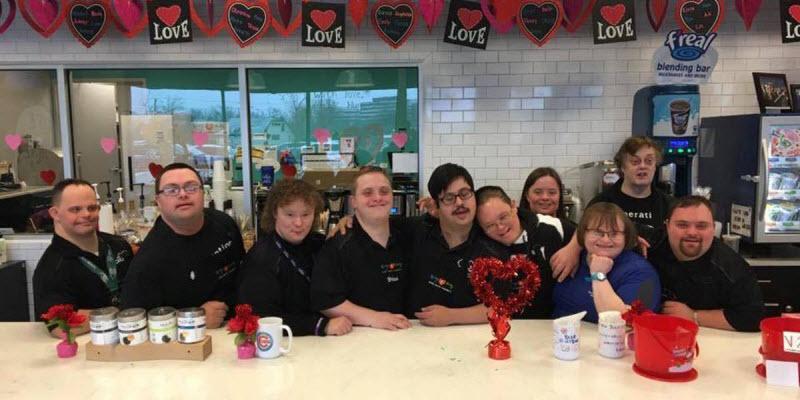 Уникальное кафе полностью обслуживается взрослыми с синдромом Дауна