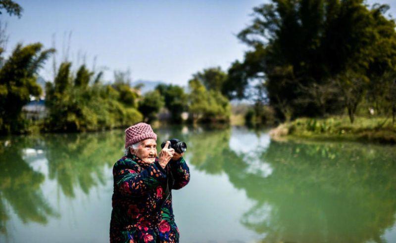 105-летняя бабушка-фотограф с огромным опытом