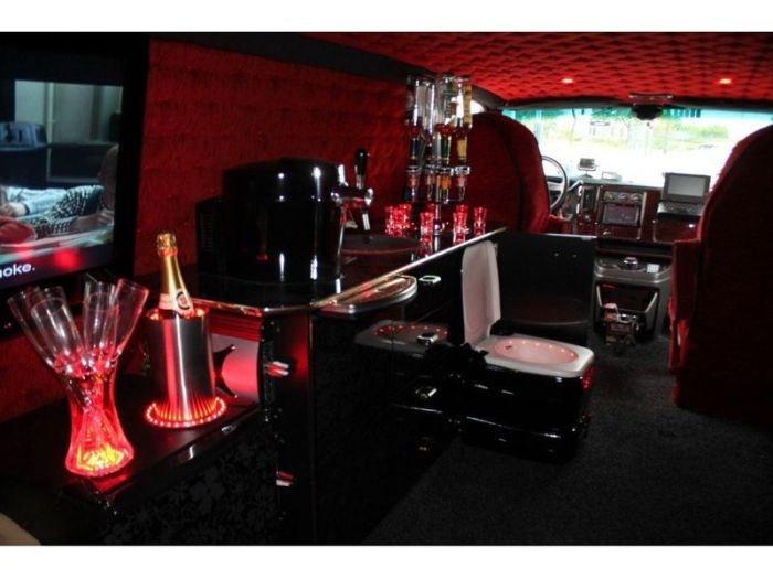 Дом на колесах на базе GMC Savana