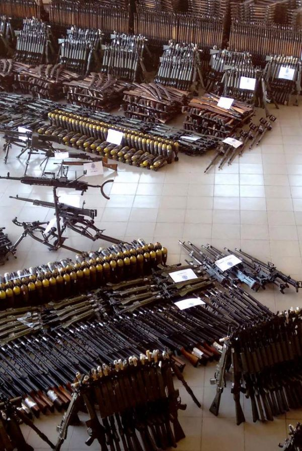Испанская полиция обнаружила крупный подпольный склад оружия