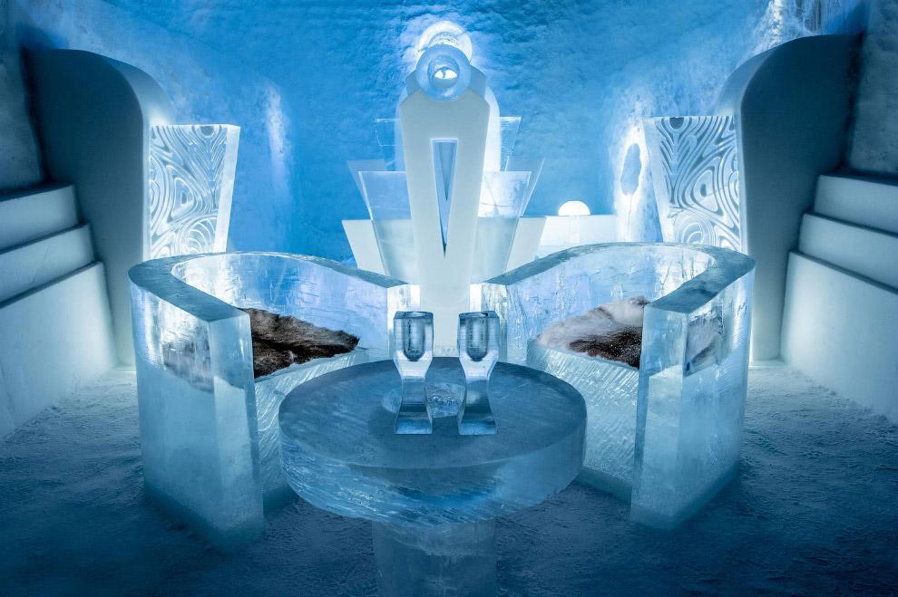 Прогулка по швейцарскому ледяному отелю