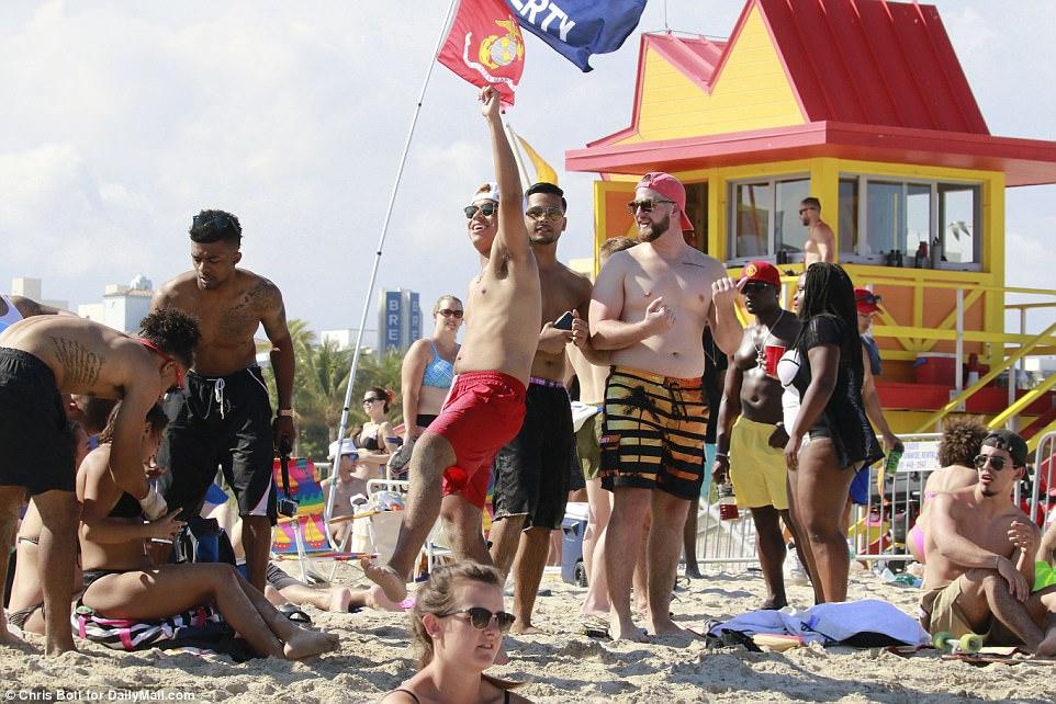 Весенние каникулы американских студентов в Майами